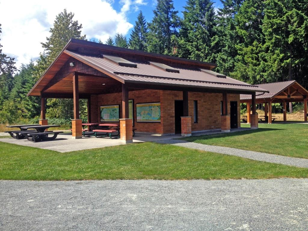 Glenora Trails Head wshroom and shelter